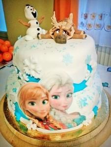 Burkolt Jégvarázs torta