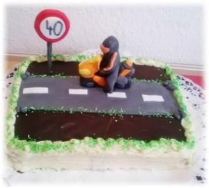 egyszeru-motoros-torta