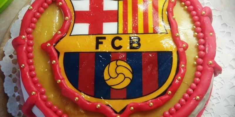 Mignon torta focis díszítéssel