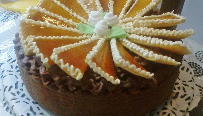 Dobos torta legyező díszítéssel