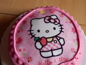 Hello ÍKitty torta