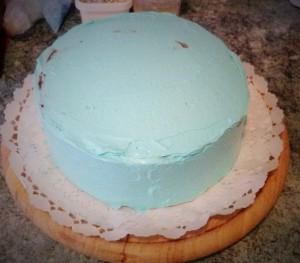 kék krémmel bevont torta
