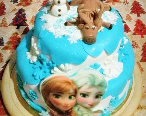 Elkészült Jégvarázs torta