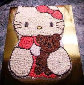 hello-kitty-torta-pottyozott