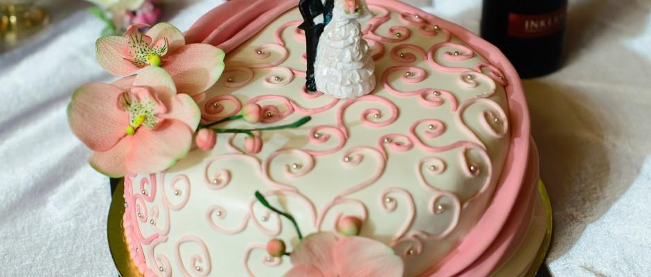 marcipanos-eskuvoi-torta