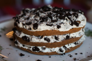 oreo torta tálalva
