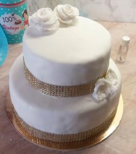 felkesz-szalagos-torta