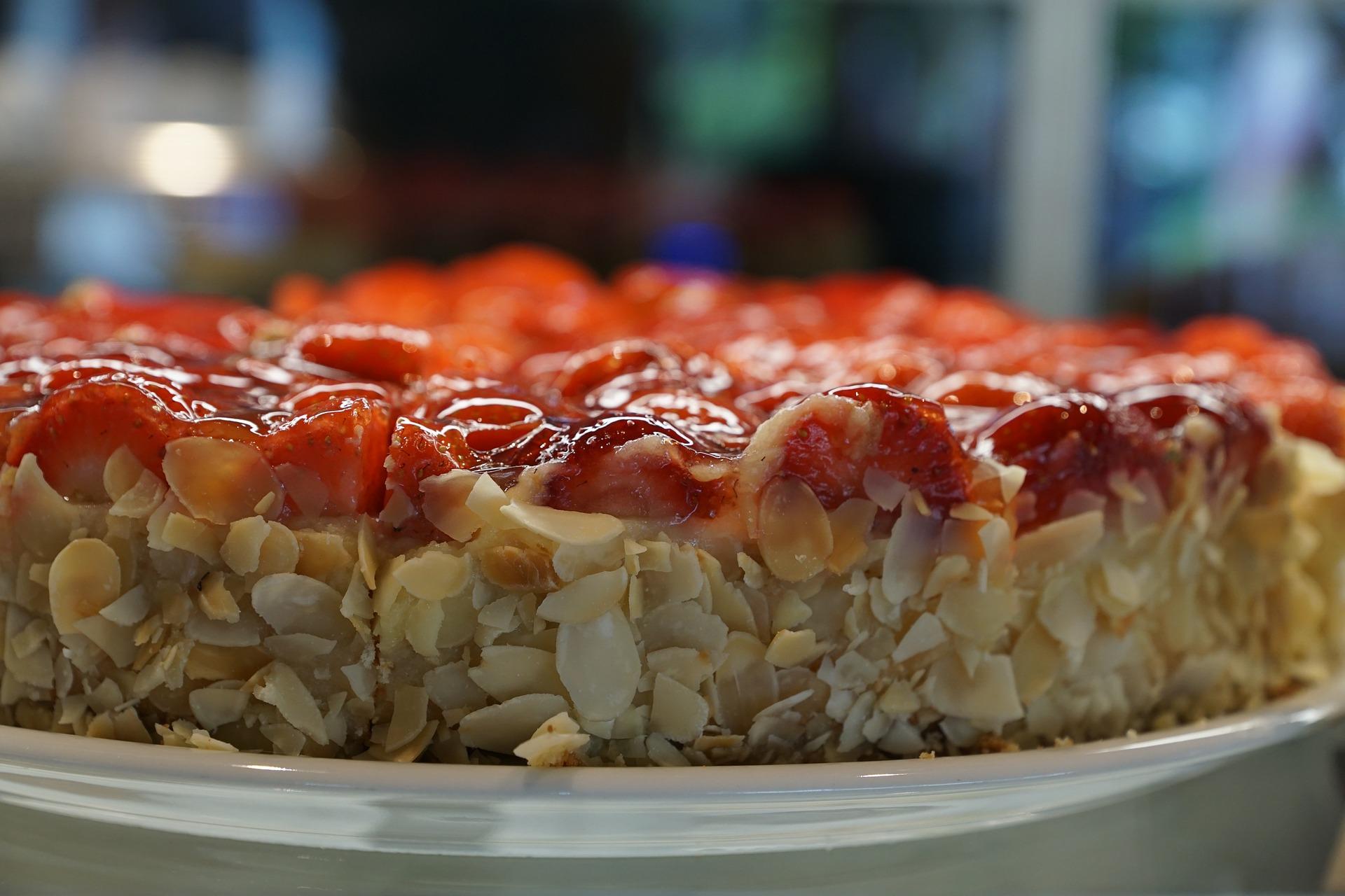 Szép torták mandulás epertorta