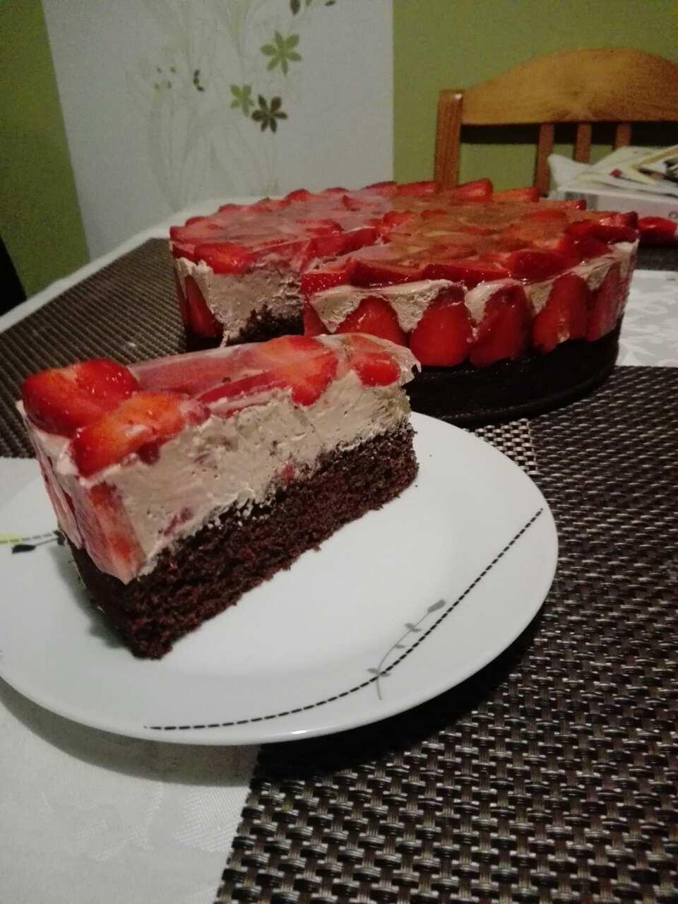 Epres csokis mousse torta