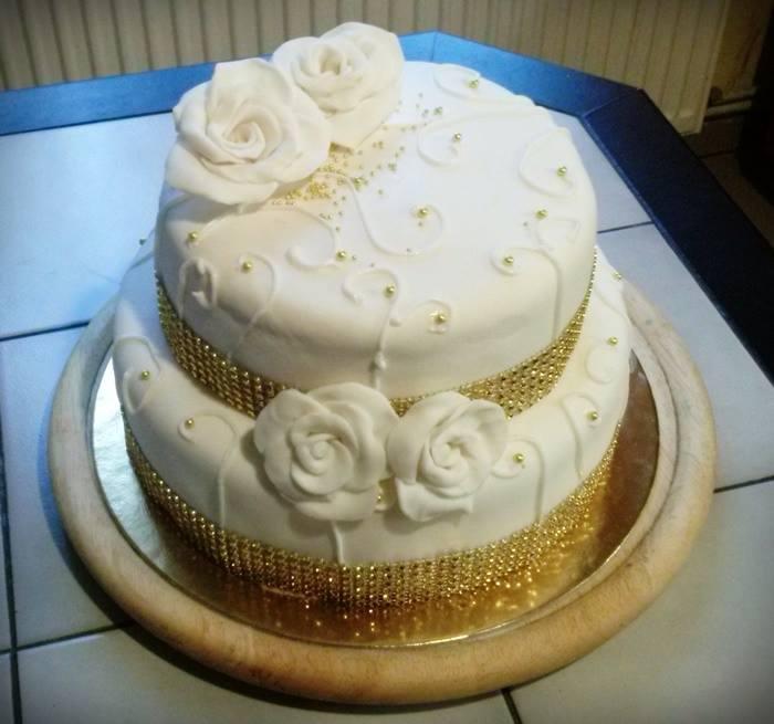 emeletes torta képek szalagos emeletes torta   Tortareceptek emeletes torta képek